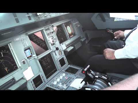 Paris to Agadir -  Flight deck experience (видео)