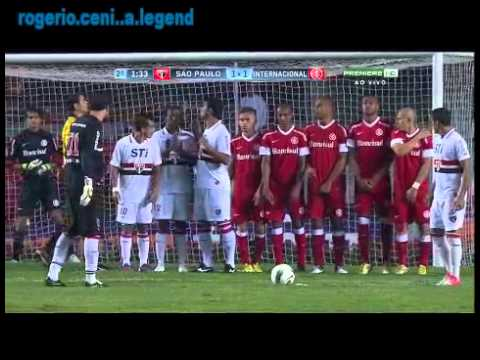 CENI - rogerio ceni missed free kick vs inter ...still a legend.