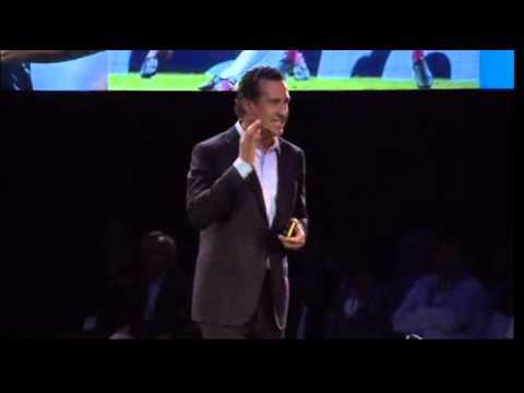 Jorge Valdano enumera en esta conferencia los once poderes que deben caracterizar al líder del s. XXI