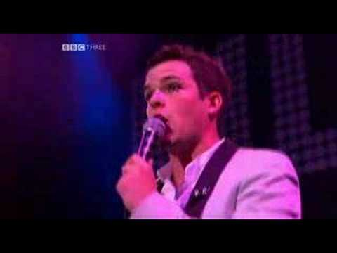 The Killers - Mr. Brightside (Live @ Glastonbury 2005)