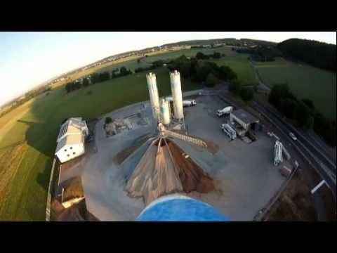 Игрушечный полет (Видео)
