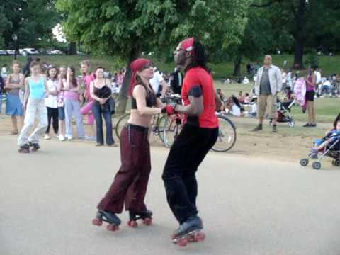 Hyde Park Serpentine Roller skating dancing disco 31 May 2009 No1