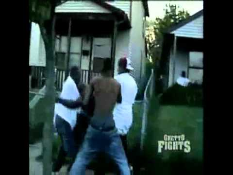 Ghetto fights – Knocking Lights Out!