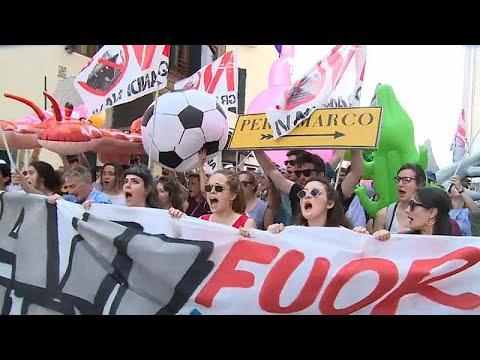 Venedig: Kreuzfahrtschiffe sorgen für Ärger und Demons ...