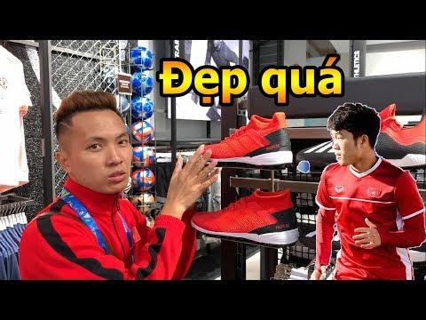 Thử Thách Bóng Đá Asian Cup 2019 DKP đi tìm giày Lương Xuân Trường và mua bóng của Pogba , De Gea - Thời lượng: 4:19.