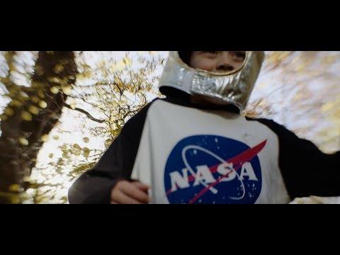 Graham Coxon: Falling (Veröffentlicht: 2017, Video)