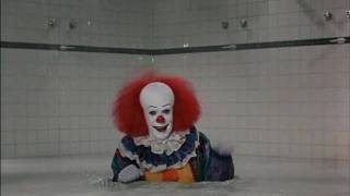 IT (Stephen King) - Escena Duchas.