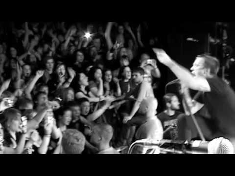 "Billy Talent perform ""Fallen Leaves"" in Hamburg"