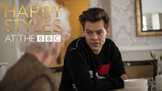 Video Bingo! Harry Styles is the greatest bingo caller ever! (At The BBC) MP3, 3GP, MP4, WEBM, AVI, FLV Oktober 2018
