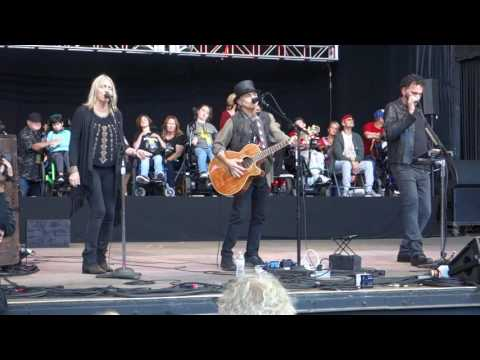 Nils Lofgren, Pegi Young & Mickey Raphael - I Don't Want To Talk About It - Bridge School Benefit 30