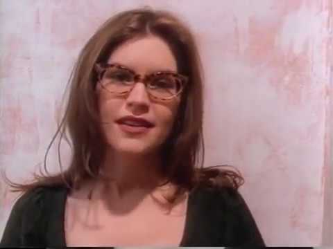 "Lisa Loeb ""Stay (I Missed You)"" Music Video"