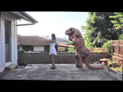 A T-Rex learn to dance :v
