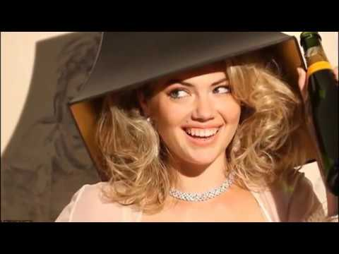 Buxom bombshell Kate Upton looks every inch the retro pin-up for final LOVE advent video
