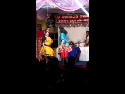 Video Yakshagana - Kada Mallige Tulu1(2) download in MP3, 3GP, MP4, WEBM, AVI, FLV January 2017