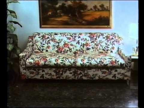 anuncio de cine del ao de sofs camas cruces uniendo