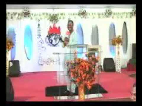 Aboki 4 Christ Comedy : See how sisters advertise their singlehood in church for prospective husband