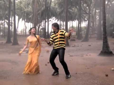 Video Kimi Katkar in wet yellow saree (rain song) download in MP3, 3GP, MP4, WEBM, AVI, FLV January 2017