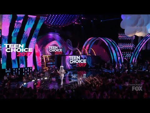 Marshmello and Bella Thorne Present at Teen Choice Awards 2017 - Logan Paul Liza Koshy Fifth Harmony