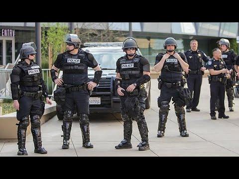 ΗΠΑ: Στη δημοσιότητα βίντεο με πυροβολισμό υπόπτου από αστυνομικό…