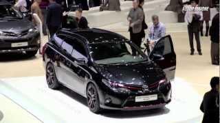 Toyota prezinta noutatile aflate la standul salonului de la Geneva