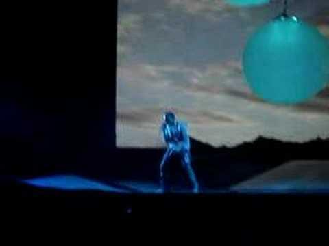Kanye in Seattle - Flashing Lights