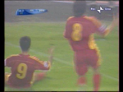Italia vs Montenegro, gol de Vucinic