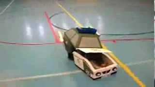 Disfrazado de coche Guardia Civil