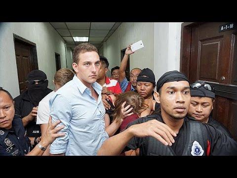 Μαλαισία: Ένοχοι οι γυμνοί τουρίστες, που κατηγορήθηκαν για τα 5,9 ρίχτερ