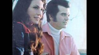 Download Lagu You're the Reason Our Kids are Ugly - Lorretta Lynn & Conway Twitty Mp3