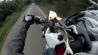 8. Honda xr400