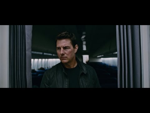 Jack Reacher: Never Go Back (Viral Video 'Airplane')