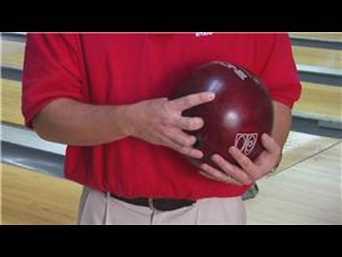 Bowling Tips & Techniques : How to Throw a Good Curveball in Bowling