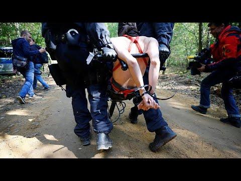 Γερμανία: Νέες συγκρούσεις στο δάσος Χάμπαχ