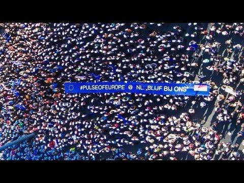 Χιλιάδες πολίτες συγκεντρώθηκαν υπέρ της Ε.Ε. σε διάφορες ευρωπαϊκές πόλεις