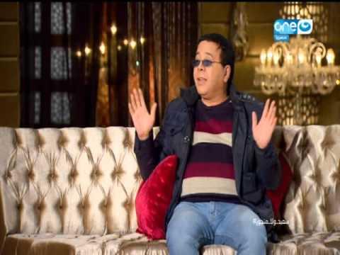 """بالفيديو- أحمد آدم يروي عن المشكلة التي تسببت بها ماما نجوى بينه وبين زوجته بعبارة """"احضنوا بعض"""""""