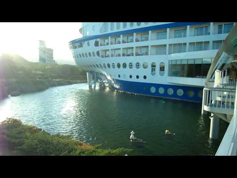 Hotel Shaped Liked Cruise Ship On Clifftop In South Korea Sun Cruise Resort Hotel Overlooks The