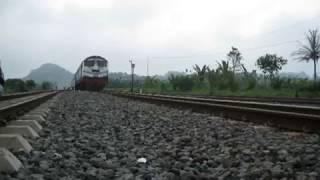 Video KA Pandanwangi double traksi lokomotif BB MP3, 3GP, MP4, WEBM, AVI, FLV Juli 2018