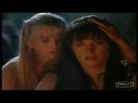 Xena & Gabrielle (Xena: The Warrior Princess) - One Last Kiss