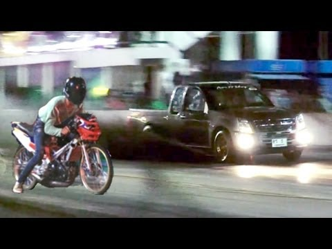MOPED vs pickup TRUCK Drag Racing (isuzu dmax versus 2 stroke motorcycle. Car vs Bike race)