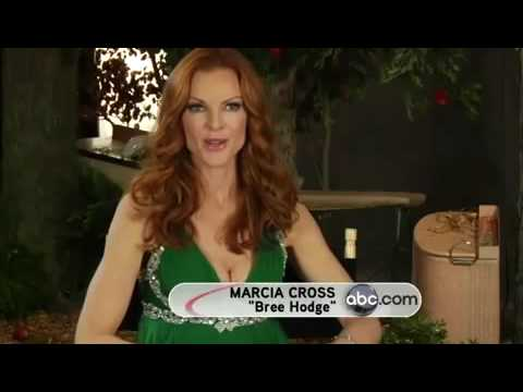 """Armed And Desperate"" Marcia And Teri Photoshoot (Season 6)"