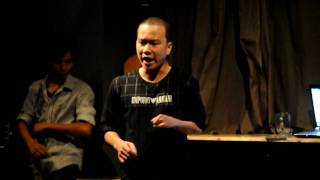 Dua Leo dien stand up comedy - hai doc thoai ngay 6 thang 6 at Lít cafe - phần 1