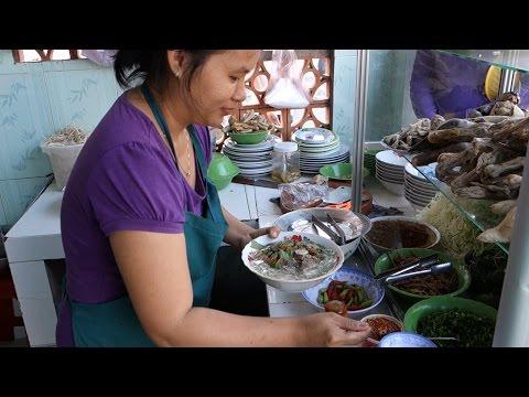 Duck noodle soup Bun Mang Vit
