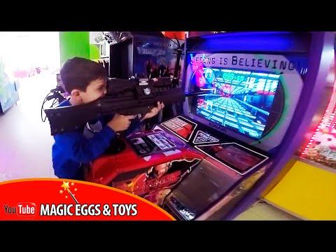 VLOG | Саша в игротеке  PLAY-DAY | Детские игровые автоматы