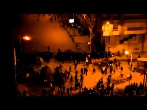 بالفيديو: تجدد الاشتباكات بين قوات الشرطة والمتظاهرين بالإسكندرية