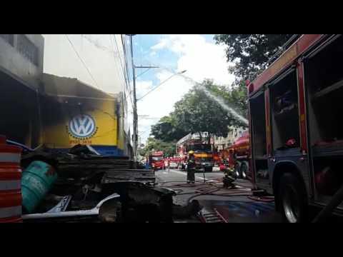 Incêndio destrói loja na Avenida Pedro II, em BH