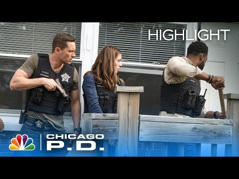 He's Going Out the Window! - Chicago PD (Episode Highlight)