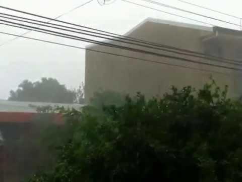 tornado en cubujuquí de Heredia, Costa Rica 6 / 6 / 2013 . 13 h 45 min