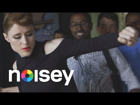 """meets - You Should Subscribe Here Now: http://bit.ly/Subscribe-to-Noisey Kiesza agreed to teach us the moves from """"Hideaway"""" at the original location of the video, a street in Williamsburg a few..."""