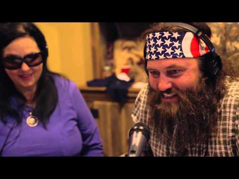 Willie Robertson Pranks Guests at Willie's Duck Diner