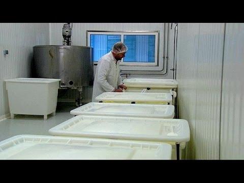 Γαλλία: Οι μικροί παραγωγοί κινδυνεύουν με αφανισμό
